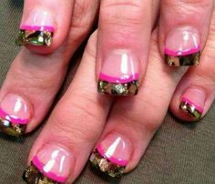 Plain Nails with Camouflage Tips and Pink Stripe Pink Camo Nails, Camo Nail Art, Camouflage Nails, Camo Acrylic Nails, Navy Nails, Camouflage Wedding, Camo Nail Designs, Nail Art Designs, Prom Nails