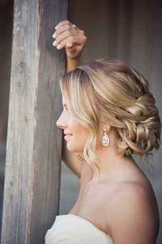 Need some hair inspiration? Whether you're getting married at a beach, ballroom or garden, we've got a look you'll love. Check out these 18 hot wedding hairstyles and tell us which one do you love the most? Wedding Hair And Makeup, Wedding Updo, Hair Makeup, Wedding Bride, Wedding Ideas, Wedding Hair With Veil Updo, Trendy Wedding, Prom Updo, Wedding 2015