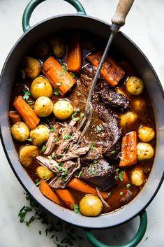 Chuck Roast Recipes, Pot Roast Recipes, Easy Dinner Recipes, Meat Recipes, Healthy Recipes, Lunch Recipes, Crockpot Recipes, Yummy Recipes, Yummy Food
