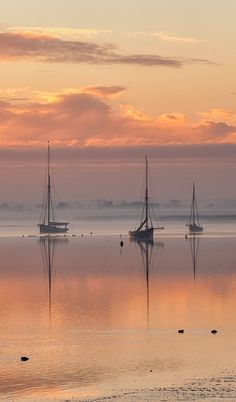 sunrise on a peaceful anchorage: England, Essex, Maldon ~ Sunrise over the Blackwater estuary. Beautiful World, Beautiful Places, Beautiful Pictures, Beautiful Sunset, Simply Beautiful, Landscape Photography, Nature Photography, Boat Art, Belle Photo