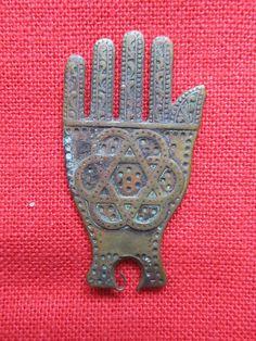 Ripley's Believe It or Not Metal Pin;  Hand of Fatima