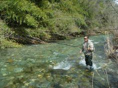 Jacques, un ami,moniteur guide pêcheprofessionnel, vous fera partager sa passion en sillonnant lesrivières et torrents cévenols, dans un paysage unique, il vous enseignera les différentes manières pour pêcher la truite fario.