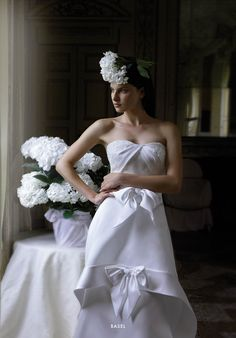 Collezione EP 2015 - Elisabetta Polignano: Bridal gown con fiocchi e dettagli preziosi #wedding #weddingdress #weddinggown #abitodasposa