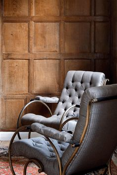 rabih hage / the old rectory, oxfordshire The panelling and chair are lifeless. Wainscoting Panels, Single Chair, Clever Design, Take A Seat, Chair Covers, Interior Design Inspiration, Decoration, Upholstery, Old Things