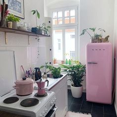 pretty small kitchen design decoration ideas are perfect for your small home 22 Decoration Design, Deco Design, Wood Design, Passion Deco, Home Improvement Loans, My New Room, Interiores Design, Home Decor Inspiration, Decor Ideas
