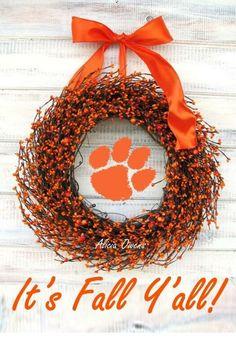 Tiger wreath