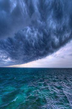 blue - azul - sea - sky - storm - hurricane - furacão - mar - céu - Hurricane by Filip Molcan on imgfave