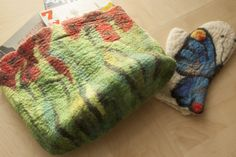 Gorgeous, colorful 100% wool felt handbags, oven mitts, and placemats. ArtFelt is handmade by Susan McAllister and Brenda Dominguez. #holidaygiftideas