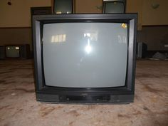 2289946a1b8baa9d275ec7406ec43a90--tv-set