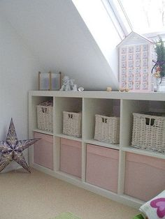 Stauraum This is such a place-saviour in attick rooms! Attic Bedrooms, Girls Bedroom, Room Girls, Little Girl Rooms, My New Room, Storage Spaces, Toy Storage, Room Inspiration, Baby Room