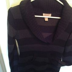 Super comfy striped sweater dress. Grey and black striped sweater dress with v-neck and front pocket. Very warm and comfy. Pre-loved item. Great with leggings but can also be used by itself. Long sleeves. aviva Dresses