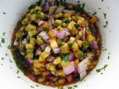 Pinapple salsa, goes great with pulled pork buns Mexican Food Recipes, Great Recipes, Favorite Recipes, Ethnic Recipes, Jerk Recipe, Salsa Salad, Salad Recipes, Healthy Recipes, Pork Buns