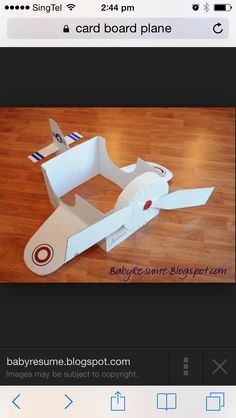 My Baby Didn't Read My Resume: Week Cardboard Box Airplane - Phase I Planes Birthday, Planes Party, Kids Birthday Themes, Kids Party Themes, Party Ideas, Cardboard Airplane, Cardboard Toys, Cardboard City, Airplane Decor