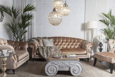 Living | Opulent: Give in to understated glamour but not over the top blindness. Mix silver and gold, some velvet and metal finishes for elegant feminine look in your living room.