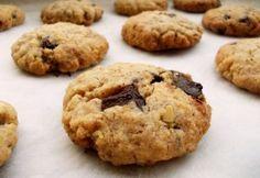Étcsokis - zabpelyhes keksz (xilittel és teljes kirőrlésű liszttel) Milk Chocolate Chip Cookies, Copycat Recipes, Cookie Dough, Baking Soda, Food And Drink, Chips, Sweets, Cake, Healthy