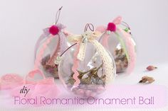 DIY Floral Romantic Ornament Ball!!! Creation Crafts, Something Beautiful, Christmas Inspiration, Diy And Crafts, Christmas Bulbs, Handmade Jewelry, Romantic, Holiday Decor, Floral