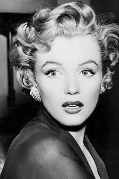 Marilyn Monroe, from 'Don't Bother to Knock', black and white photo. Marylin Monroe, Marilyn Monroe Photos, Viejo Hollywood, Norma Jeane, Old Hollywood Glamour, Brigitte Bardot, Classic Beauty, Iconic Beauty, Vintage Beauty