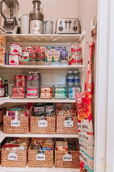 Rainbow organizing in a pantry gives us all the feels!   Organized Life Design | Professional Organizer | Houston, TX | Organized Pantry   #OrganizedLifeDesign #ProfessionalOrganizer #HoustonTexas #OrganizedPantry #PantryGoals #OrganizedLife #OrganizationGoals #DreamKitchen