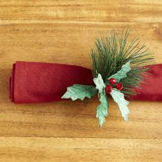Holly Berry Napkin Rings (Set of 6)