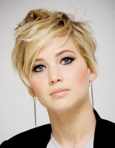 """Jennifer Lawrence - messy pixie cut... mine never does that! It always looks like I just crawled outta bed and ran my fingers through it to make it """"look nice"""" lol -sr"""