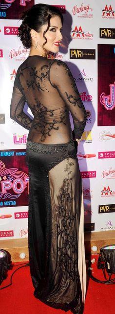 Sunny Leone in Black sidepose