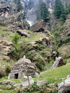 A must visit place for nature lovers .... Jogini Waterfall in Kullu Manali