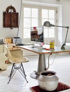 Nordic home with attitude Industrial workspace Workspace Design, Office Workspace, Home Office Design, House Design, Industrial Workspace, Workspace Inspiration, Interior Inspiration, Blueberry Home, Minimal Desk