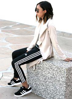 1ba876c3182 Look com calça esportiva da Adidas + blazer. Pinterest  KarinaCamerino Calça  Moletom Feminina Adidas