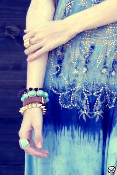 http://fashioncoolture.com.br/2012/10/23/look-du-jour-out-of-the-blues/