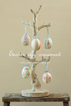 手作り : + mellow-stuff + Easter Tree, Easter Bunny, Easter Eggs, Easter Holidays, Christmas Holidays, Egg Tree, About Easter, Easter Crafts, Easter Ideas