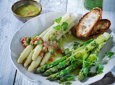 Weißer Spargel mit Tomatenvinaigrette und grünes Spargel-Zitronen-Pesto