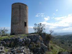 Atalaya del Vellón La atalaya de El Vellón se encuentra a las afueras la localidad del mismo nombre en la Comunidad de Madrid, (España). Con el nombre de atalayas se hace referencia a un conjunto de torres que controlaban el paso a las vías de comunicación y valles habitados en época islámica.