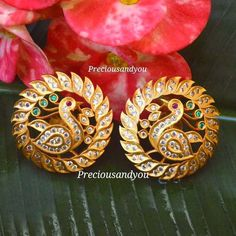 You Can Shop Jaw Dropping Jewellery For Every Budget Here – Adelgieses Schmuck Tagebuch Indian Jewelry Earrings, Jewelry Design Earrings, Gold Earrings Designs, Gold Jewellery Design, Ear Jewelry, Peridot Jewelry, Bead Jewellery, Antique Earrings, Fashion Jewellery