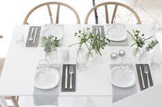 Slate plates under cutlery