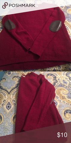 """J Crew elbow patch sweater Burgundy with charcoal faux leather elbow patches. Size XS. Measures 23"""" long and 18"""" across the bust. J Crew Sweaters Crew & Scoop Necks"""