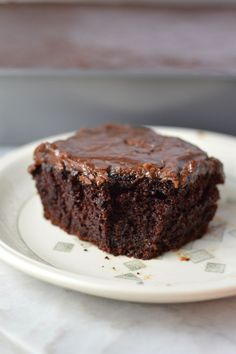 Chocolate Cake with Thick Chocolate Icing