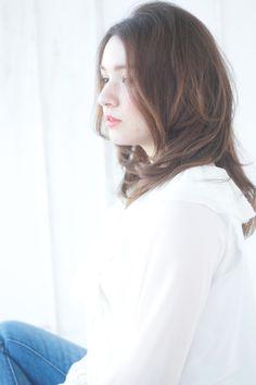 自然なかきあげヘア グラデーションカラーのセミディs-26 | 自由が丘・学芸大学・中目黒の美容室 ALICe by afloatのヘアスタイル | Rasysa(らしさ)