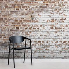 An exposed brick wall in a room doesn't always mean industrial. Moreover if we talk about the specific white brick wall, the style and design it suits will be way more than just one kind. The range is wide as . Brick Wallpaper Mural, White Brick Wallpaper, Look Wallpaper, Wallpaper Designs, Exposed Brick Wallpaper, Brick Effect Wallpaper Bedroom, Wallpaper Lounge, Brick Wallpaper Living Room, Kitchen Wallpaper