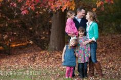 11 Tips for What to Wear in Family Photos - Click it Up a Notch