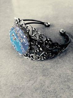 Retrouvez cet article dans ma boutique Etsy https://www.etsy.com/fr/listing/525956379/bracelet-circuit-imprime-bleu