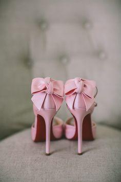 Νυφικα παπουτσια για το γαμο σας | Love4Weddings  See more on Love4Weddings  http://www.love4weddings.gr/nyfika-papoutsia/