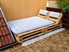 Pallet Designs Old Pallets turned into useful lounge. Idea can be useful for inexpensive bed for someone that cannot sleep flat. 21 more images on link - Sources – RoomBySofie– – – ScrapHacker Wood Pallet Beds, Wooden Pallet Projects, Wooden Pallet Furniture, Pallet Sofa, Pallet Ideas, Pallet Patio, Wooden Beds, Old Pallets, Recycled Pallets
