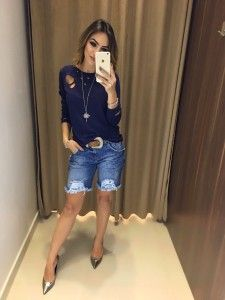 Compre Blusa Feminina, Varios Modelos da Moda Feminina na loja Estação Store com o menor preço e ande sempre na moda. Bermuda Shorts Outfit, Summer Shorts Outfits, Short Outfits, Stylish Outfits, Cool Outfits, Work Fashion, Urban Fashion, Look Con Short, Perfect Fall Outfit