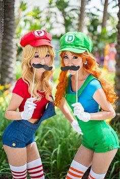 Mario Bros. #NES #Cosplay #Wondercon2014