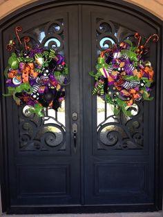 Merveilleux Matching Halloween Wreaths For Double Doors.