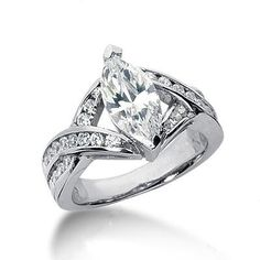 Engagement Rings | Marquise Diamond Engagement Ring in Platinum