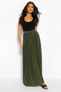 Basic Slinky Floor Sweeping Maxi Skirt Maxi Skirt Outfit Summer, Green Skirt Outfits, Sage Green Maxi Dress, Long Green Skirt, Bridesmaid Skirts, Dress With Cardigan, Spring Street Style, Maxis, Night Outfits