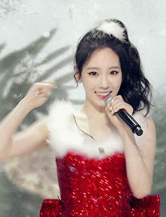 Taeyeon♥gif - コレクション - Google+
