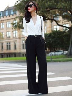 Interview, Office work to dinner outfit. Nicole Warne Australian Fashionista LOVE this outfit Looks Style, Style Me, Daily Style, Black And White Outfit, Black White, White Style, White Tops, Top Mode, Elegantes Outfit