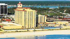 #HotelsDuMonde Le Plaza Resort & Spa est à Volusia County en Floride. Cette région a la plus grosse concentration d'attaque de requins au monde.